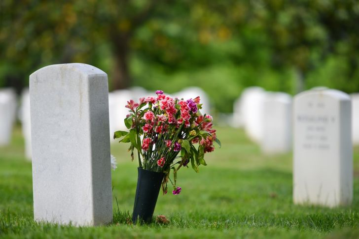 Where to Find Burial Financial Assistance